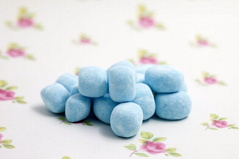 Sour blue raspberry bonbons - 250g